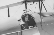 2013 Freda Mary Thompson—First Australian woman inducted into the Australian Aviation Hall of Fame Photo: Sydney Morning Herald, National Library of Australia, vn4917365
