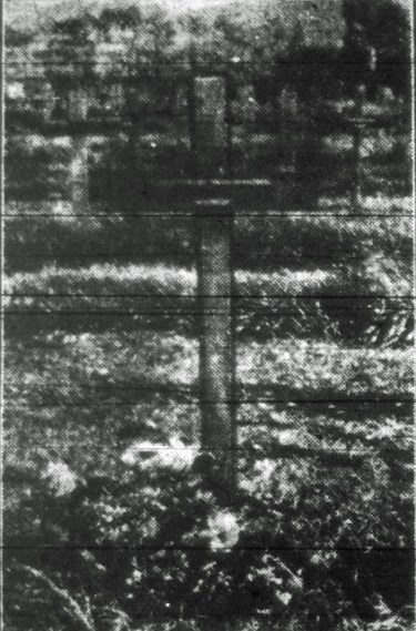 A 1917 newspaper photo of the grave of Private James Tudor Hughes