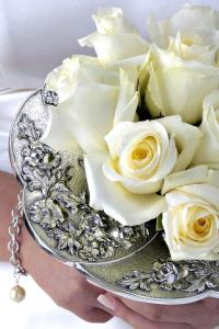 Bridal Bouquet Holders Inc. | Flirty Fleurs The Florist ...