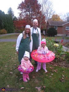 doughnuts and the makers family halloween costume