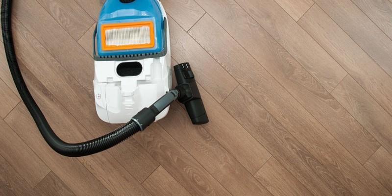 how to clean vinyl floors