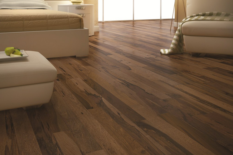 handscraped hardwood hickory max chestnuthickory engineered swatch flooring thb pergo floor chestnut