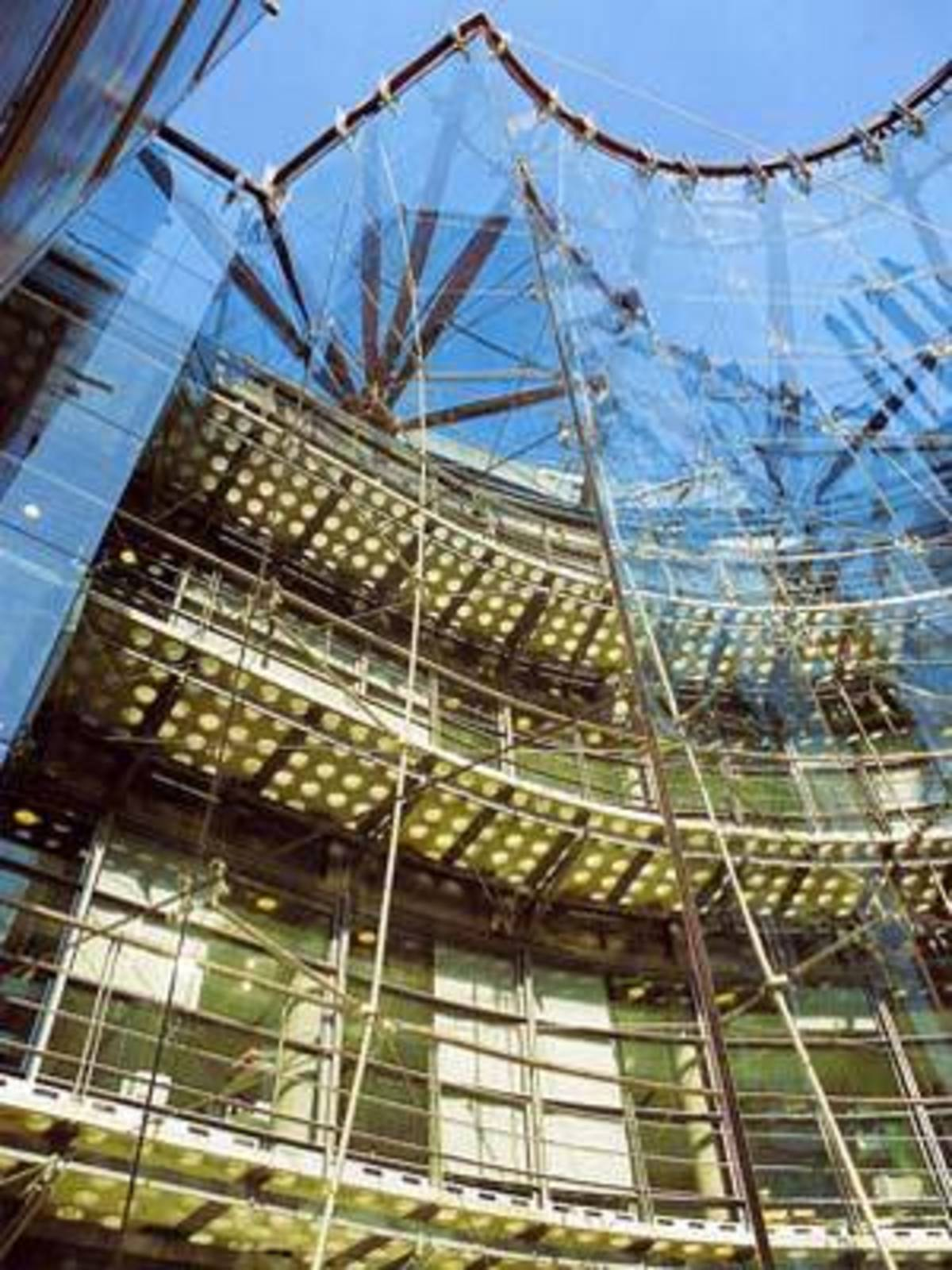 Richard Rogers Channel 4 television headquarters in