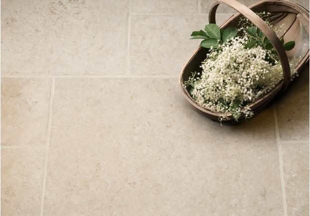 light jerusalem tumbled limestone tiles