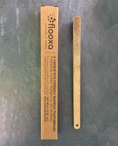 Bamboo toothbrush – Artwork by Charlotte Danois back view and packaging
