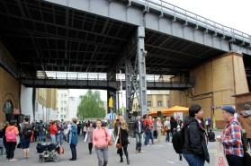 Das Rattern der U1 gehört zur Station am Gleisdreieck dazu.