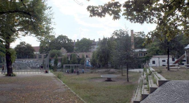 Hier steht hinter dem Mühlenspielplatz das Großprojekt der Gesobau an.