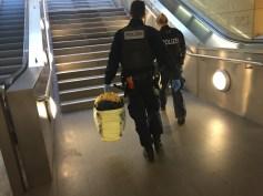Verdächtige Tasche (Foto: Faruk Fadan)