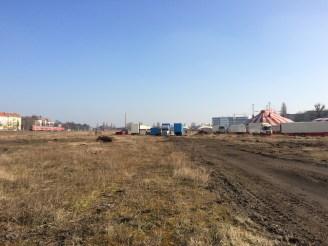 Richtung Autobahn, ab 10.März lädt Circus Busch auf das Gelände