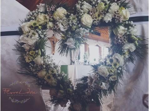 Herz für das Brautpaar in grün- weiß mit Zirben & Margeriten