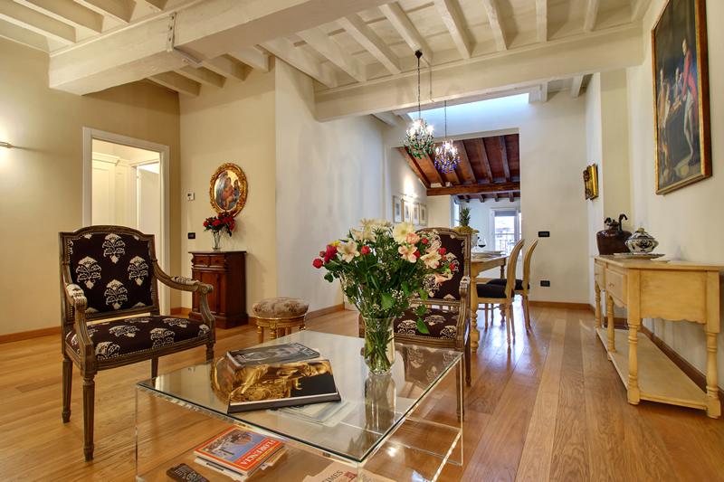 Appartamenti Orlando Palace  Dimora di Lusso nel centro storico Fiorentino