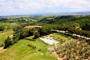 Villa dei Pini  Villa con piscina in Campagna di Empoli
