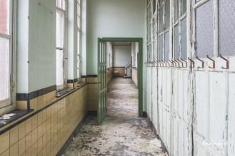 Green School R H-8