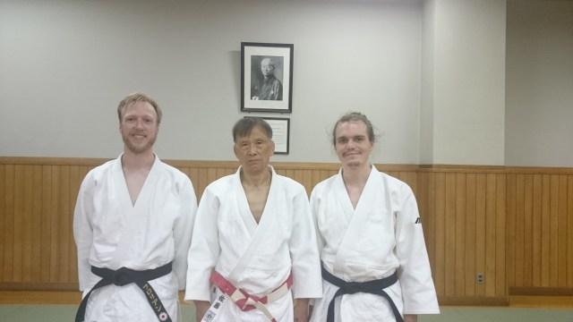 Judo Training im Kodokan in Tokyo, Japan. Kata Training durch Sato Sensei. Im Hintergrund Kano Shihan.