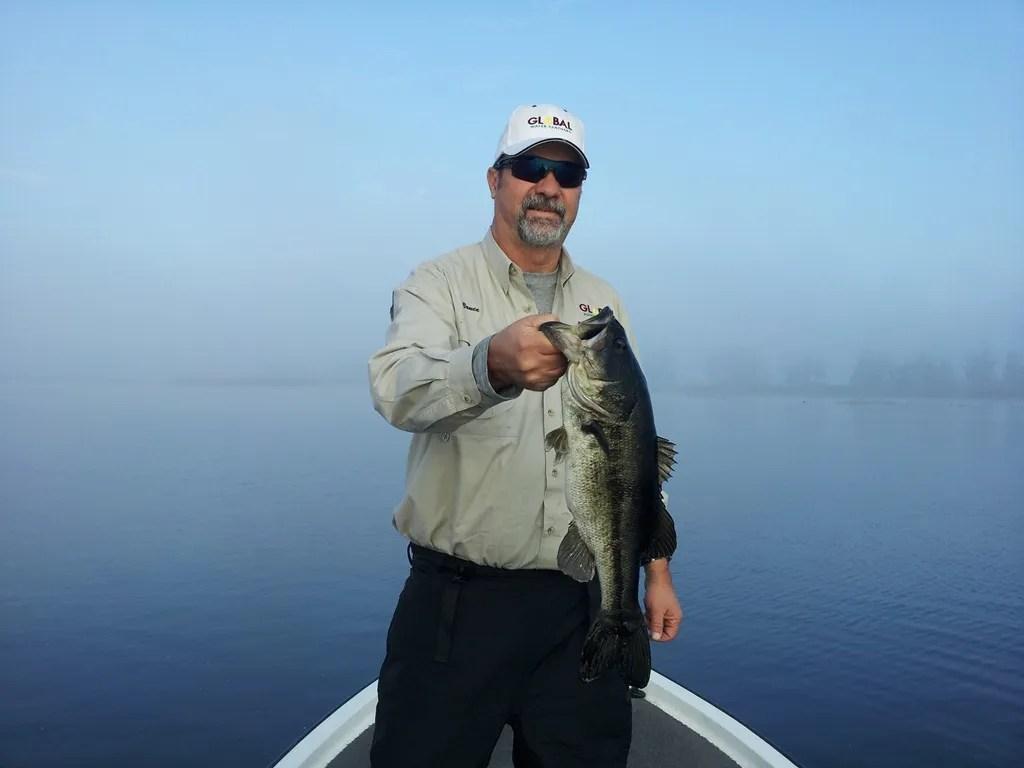 Bass fishing on lake toho orlando bass fishing guides for Florida bass fishing