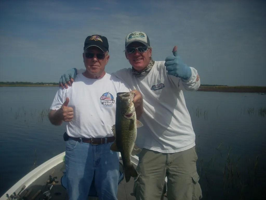 Lake toho with capt kip orlando bass fishing guides for Florida bass fishing guides
