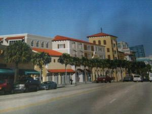 The proposed view of the parking garage/office building from Las Olas Boulevard