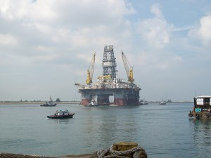 This Transocean drilling unit is expected to arrive at the site of the Deepwater Horizon spill on Monday. It will be used to drill relief wells in an attempt to stop the flow of oil