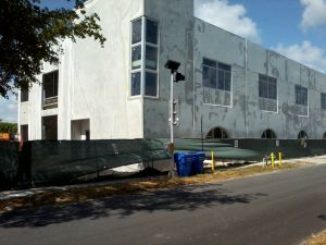 Work on the new Ben Gamla school in Hollywood nears completion. Photo: William Gjebre