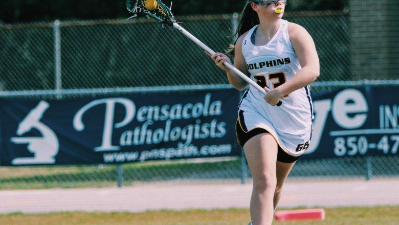 Gulf Breeze 2019 A KateReagan Costello Commits to Winthrop!