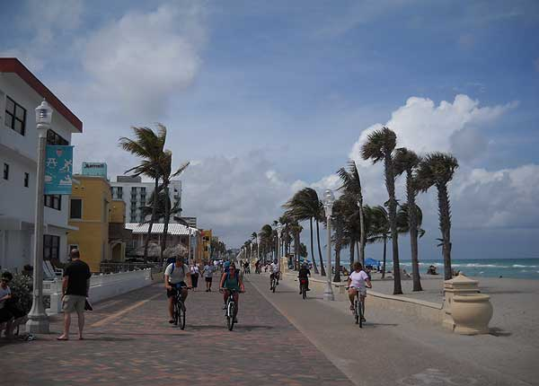 Florida bike trails: Hollywood Beach bike trail along the ocean via the Broadwalk.