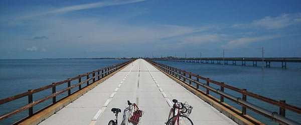 How many shades of blue? The Old Seven Mile Bridge before its closure was a short beautiful bike ride. (Photo: Bonnie Gross)
