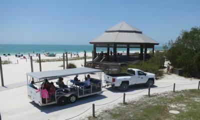 The gazebo and tram at Lovers Key State Park, Fort Myers Beach. (Photo: David Blasco)
