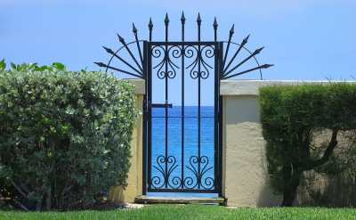 View-through-gate-of-Palm-B
