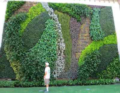 verticle-garden-at-worth-av