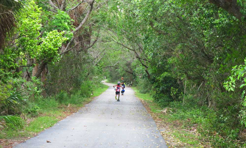 Cape florida on key biscayne best beach lighthouse for Key west bike trails
