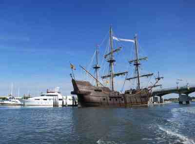 El Galeon is moored in the St. Augustine city marina at the base of the Bridge of Lions. (Photo: Bonnie Gross)