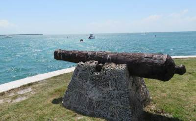 A cannon from the HMW Fowey, which sunk off Boca Chita in 1748. (Photo: Bonnie Gross)