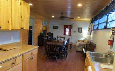 Cabin at Canoe Outpost a mile from Little Manatee River State Park. (Photo: Bonnie Gross)