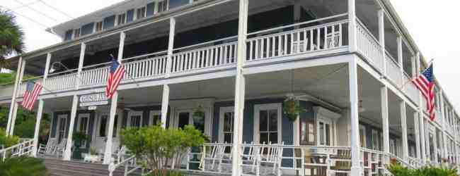 The 1907 Gibson Inn is the first thing you see in Apalachicola as you come over the causeway. (Photo: Bonnie Gross)