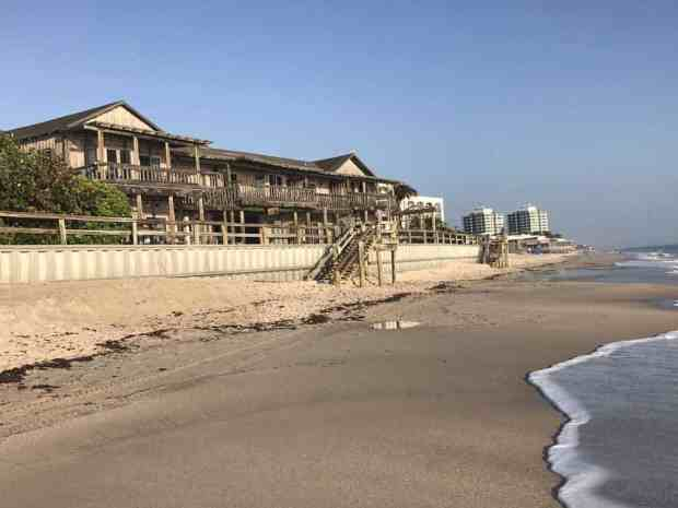 The Driftwood Inn overlooking the Atlantic in Vero Beach. (Photo: Bonnie Gross)