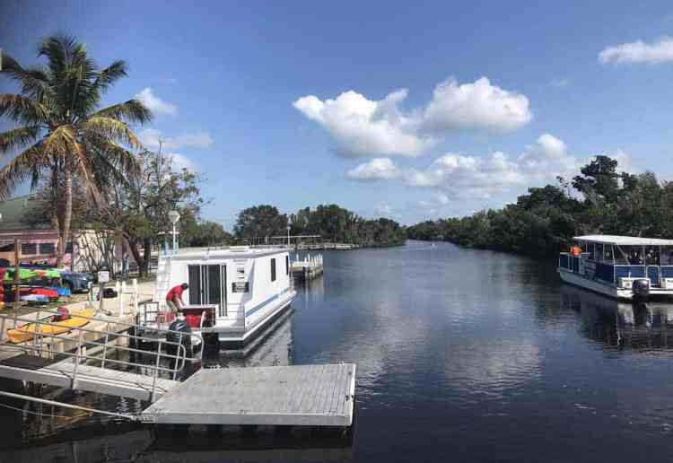 Houseboat at the dock in Flamingo in Everglades National Park (Photo: Bonnie Gross)