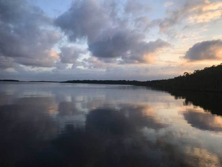 Dawn from the houseboat Whitewater Bay in Everglades National Park (Photo: Bonnie Gross)