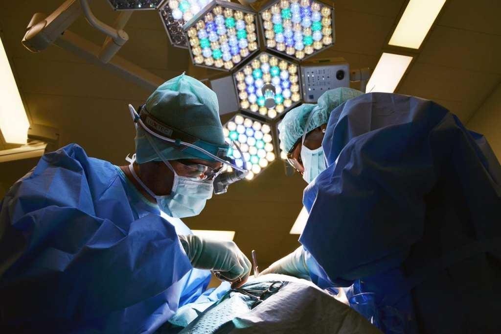 Neurosurgeon performing spine surgery in Florida