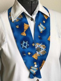 Holiday 11 NeckTies to Accessorize