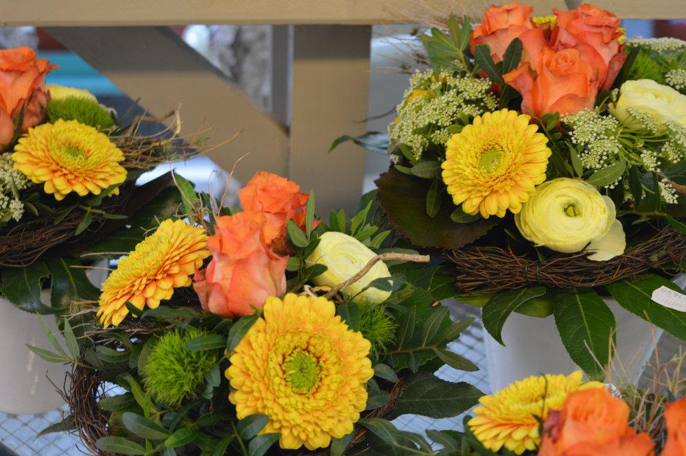 Blumendeko zur Konfirmation  floristikvergleichde