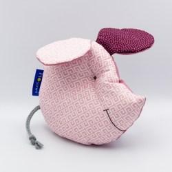 Maus als Spielkissen für Babys mit Knisterohren und Quietsche im Bauch in Rosé Baumwolle.
