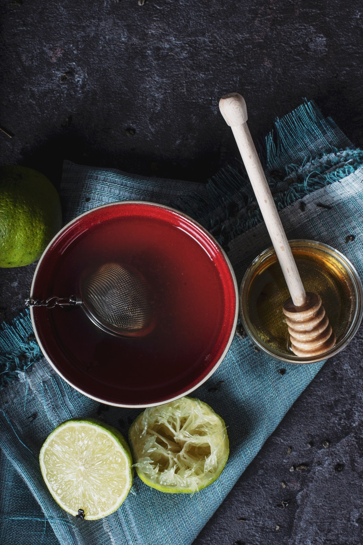 Detox Teas for weight loss are pretty popular thanks to Instagram. But they won't give you the fat burning and cleansing results you desire. This is why.