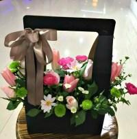 Florist Choice Flower Box  flowerandballooncompany.com