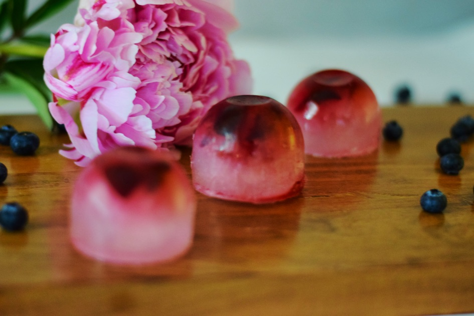 fancy-fruit-ice-cubes