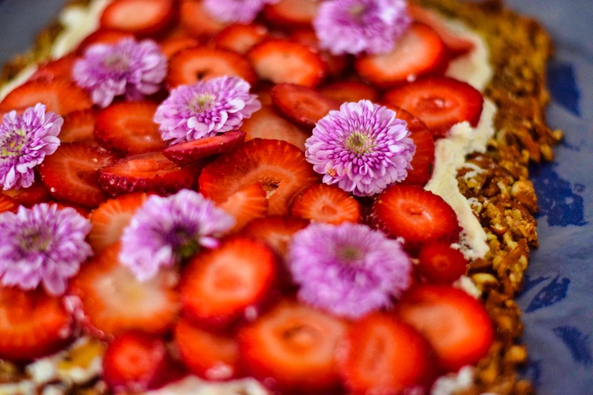 Lemony strawberry pretzel treat