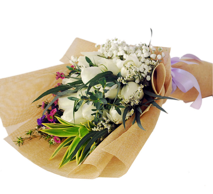 perfect white roses bouquet