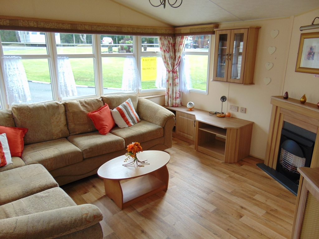 PREOWNED 2006 WILLERBY GRANADA  Flower of May