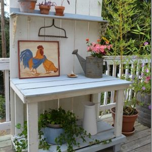 a fun DIY potting bench from fence boards, FlowerPatchFarmhouse.com