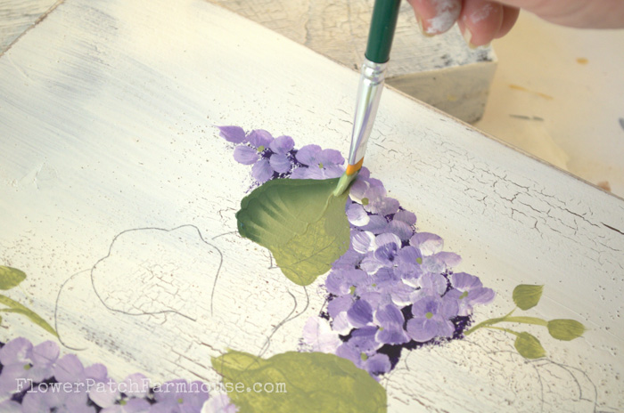 Learn to paint scallop leaves, FlowerPatchFarmhouse.com