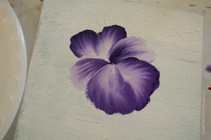 how to paint a pansy, FlowerPatchFarmhouse.com (12 of 19)